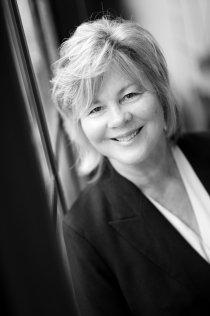 Pam Jampol, Sales Associate